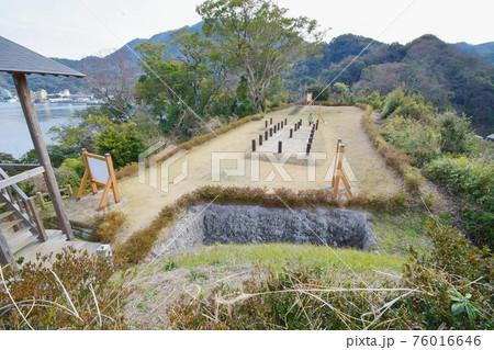 長浜城 第一曲輪から見た第二曲輪 76016646