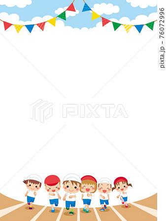 運動会で徒競走をしている可愛い子供たちのイラスト 背景 テンプレート コピースペース 76072996