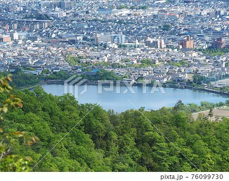 京都嵯峨野・長尾山ハイキング景色 76099730