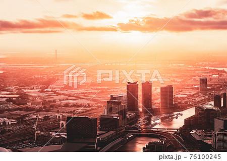 【ビジネス】ユーレカタワーから見る夕方のメルボルンの都市風景 オーストラリア 76100245