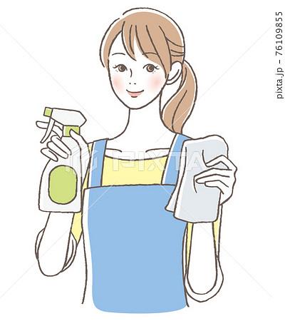 掃除をする女性  76109855