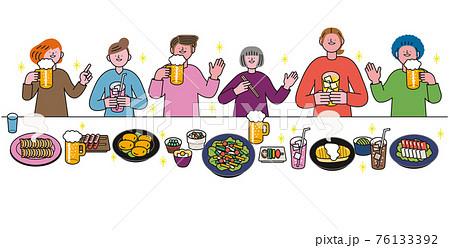 一列に並んで飲み会をする人物と料理 76133392
