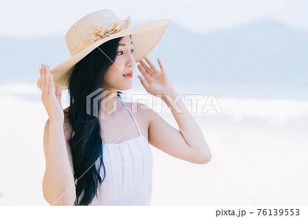Woman, summer, sea 76139553