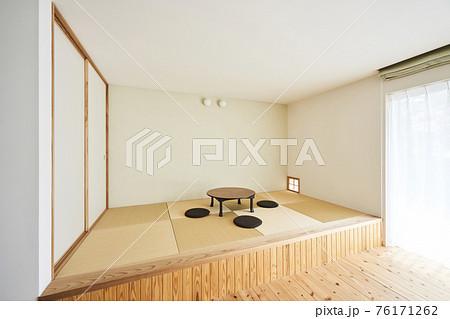 小上がり和室とちゃぶ台 76171262