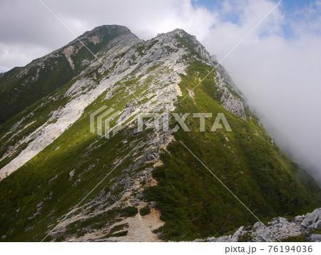 北アルプス蝶ヶ岳から常念岳への尾根歩き 76194036