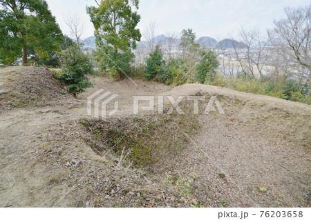 韮山城の土塁 76203658