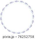 ラベンダーを丸く配置した背景イラスト 76252758