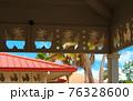 パイナップル型にくり抜かれた軒下(アメリカ合衆国 ハワイ州) 76328600