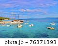クロアチアのフヴァル島から見るアドリア海 76371393