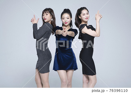 girls, ladies party concept 76396110