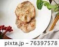 鶏 チキン ニワトリ 76397578