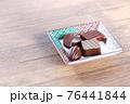 チョコレート 76441844