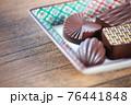 チョコレート 76441848