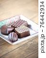 チョコレート 76442934