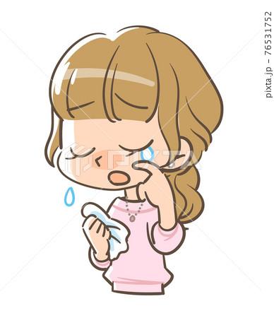 悲しい様相で涙ぐむ女の子2 76531752