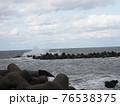海岸沿い、海の青空 76538375