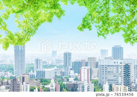 初夏の都市風景 76539456