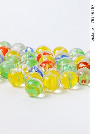 ビー玉, 丸, ガラス玉, 玩具, 日本, 遊び, ガラス,おもちゃ,和風イメージ,円、オモチャ 76546567