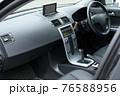 車のフロントシート 76588956