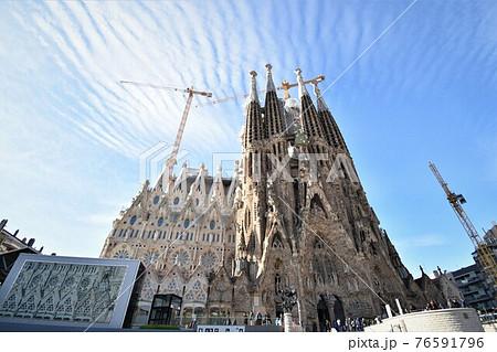 スペイン・バルセロナの世界遺産サグラダファミリア~生誕のファザード~ 76591796