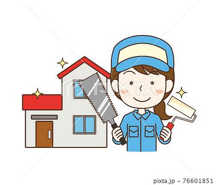 家の修繕作業を行う女性作業員 76601851