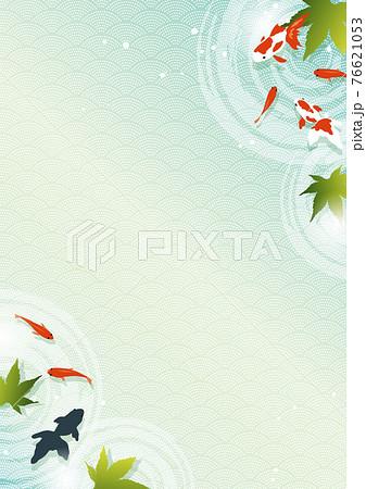 青紅葉と金魚の背景素材_夏のイメージ 76621053