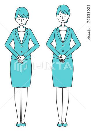 かしこまる、会釈をする スーツを着た女性 76653025