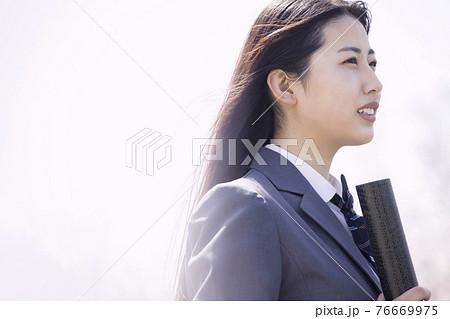 女子高校生卒業イメージ 76669975