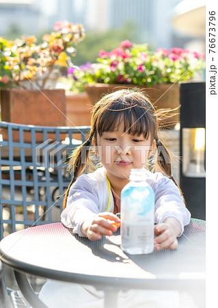 어린이 라이프스타일 자연 건강 음료 76673796