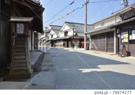 【兵庫県篠山市】河原町妻入商家群の町並み 76674277
