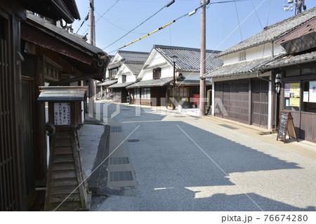 【兵庫県篠山市】河原町妻入商家群の町並み 76674280
