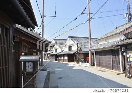 【兵庫県篠山市】河原町妻入商家群の町並み 76674281