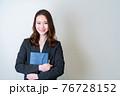 女性ビジネスイメージ 76728152
