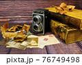 レトロなカメラと古書 76749498