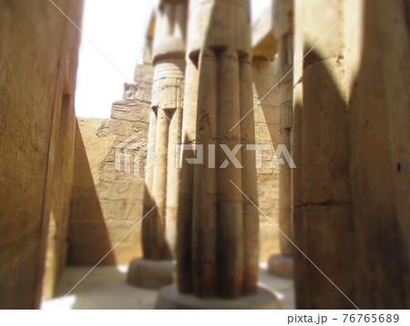 エジプト ルクソール神殿 ジオラマ風 76765689