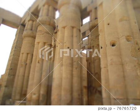 エジプト ルクソール神殿 ジオラマ風 76765720