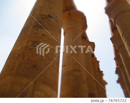 エジプト ルクソール神殿 ジオラマ風 76765722