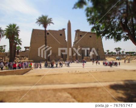 エジプト ルクソール神殿 ジオラマ風 76765747