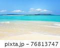 沖縄の綺麗な海 76813747