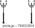 レトロな街灯のモノクロイラスト 76832854