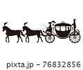 欧風の馬車のモノクロイラスト 76832856