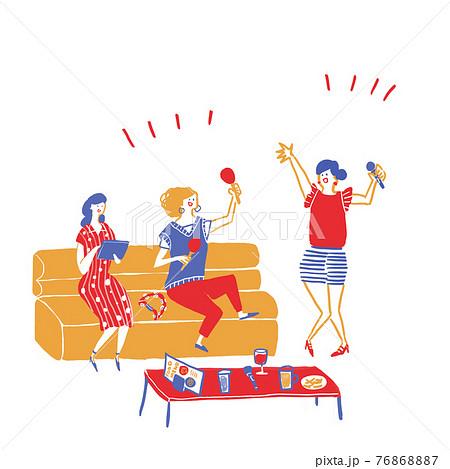 カラオケではしゃぐ若い女性3人、若者 C 76868887