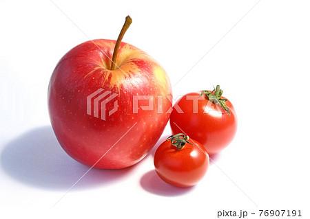リンゴと中玉トマトとミニトマト 76907191