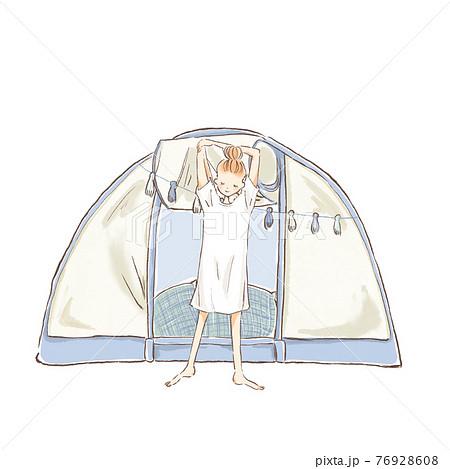 テントの前でストレッチをする若い女性のイラスト 76928608