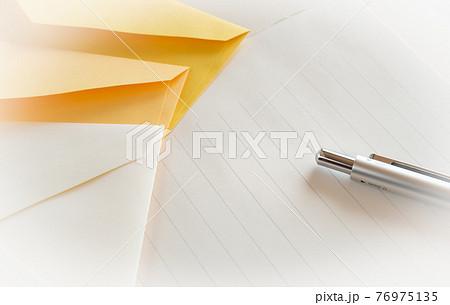 手紙 便箋と封筒 挨拶状 お礼状 便り レター メール 76975135