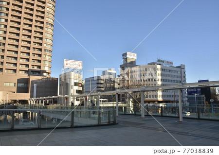 【群馬県】高崎市街地の駅前風景 77038839