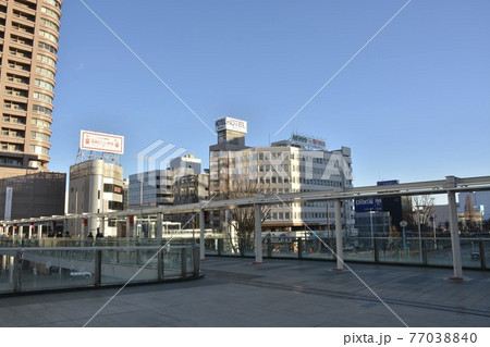 【群馬県】高崎市街地の駅前風景 77038840