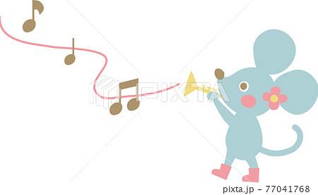 ラッパを演奏するネズミ 77041768