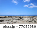 石見畳ヶ浦 景勝地の海岸 77052939
