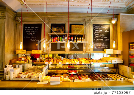 フランスのブーランジェリー 店内の雰囲気 77158067